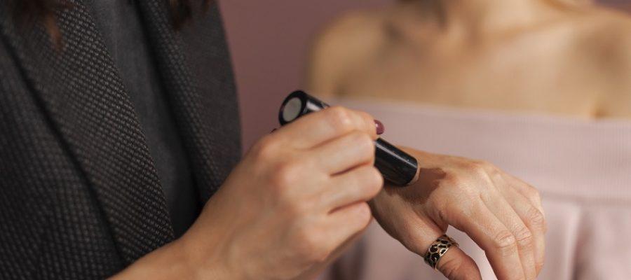 Cómo maquillar una piel con rosácea